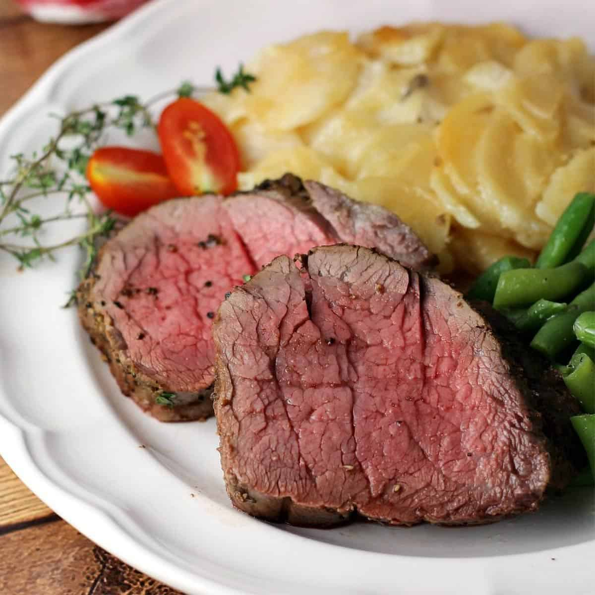 Whole Beef Tenderloin Recipe With Garlic And Thyme Best Beef Recipes