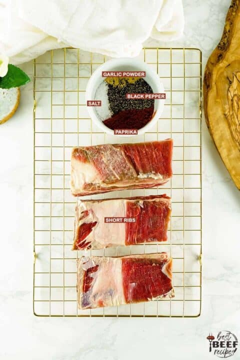 ingredients for smoked beef short ribs with labels